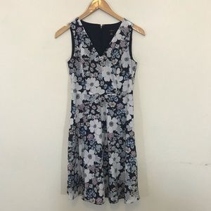 ANN TAYLOR Floral Vneck Dress 00p